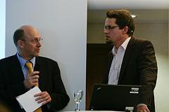 Prof. Dr. Joachim Niemeier, Alexander Warta (v. l.)