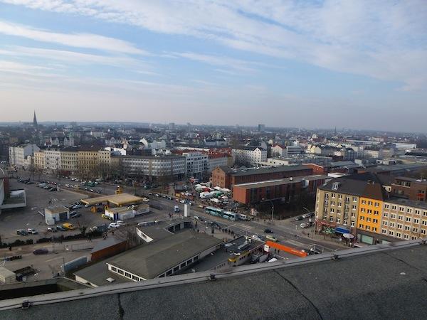 Markt in der Nähe vom Millerntor Stadion - fotografiert vom Bunker Feldstraße